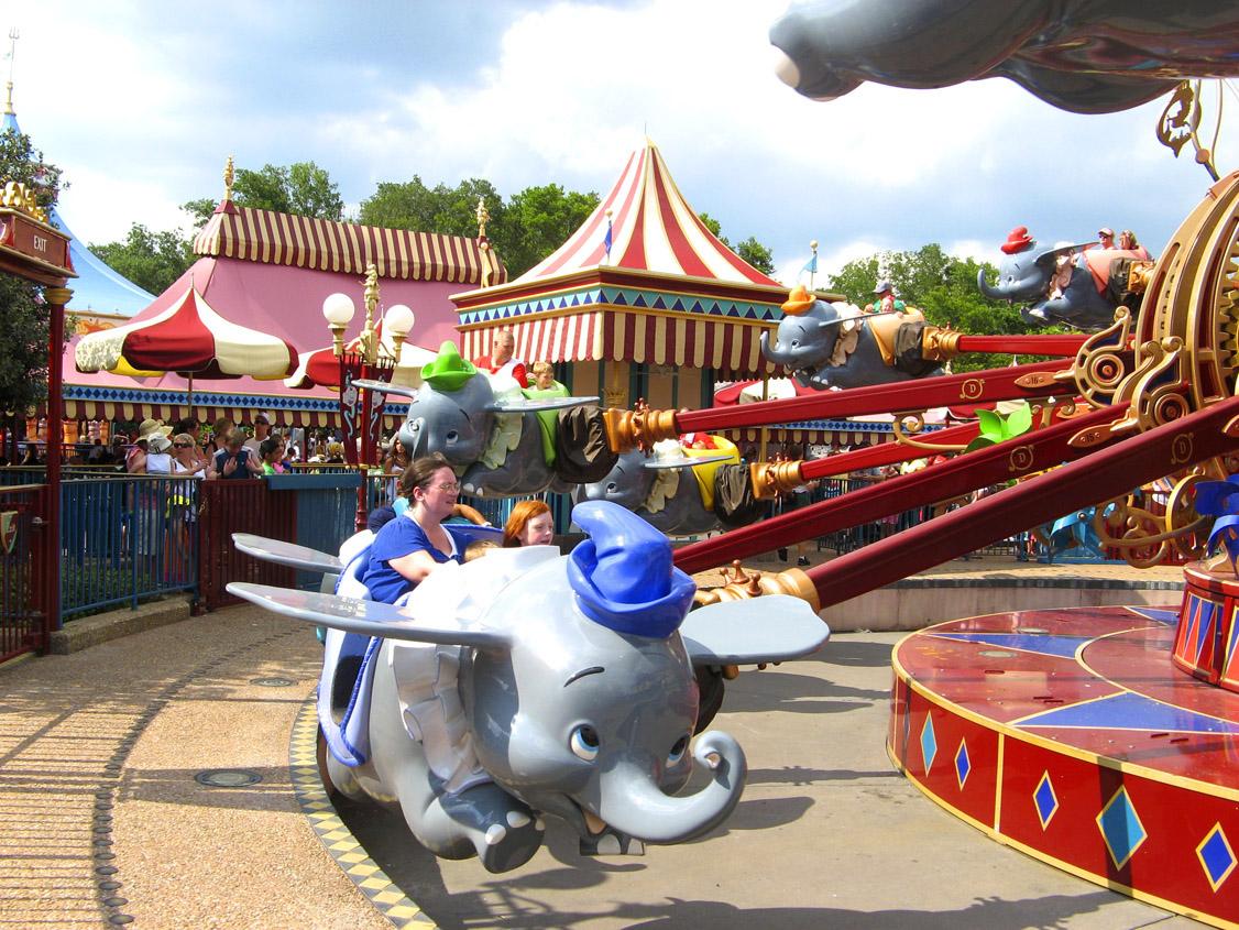 [Magic Kingdom] New Fantasyland - Storybook Circus (mars 2012) Disney-2009-044-2