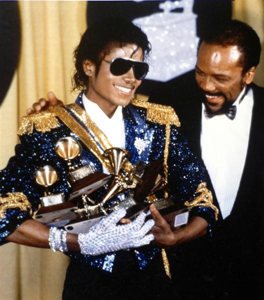 Michael Jackson e altre star in un video commemorativo dei Grammy Mj-grammys
