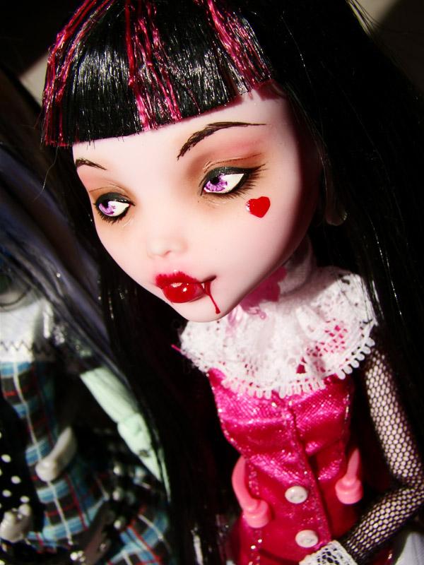 Nos demoiselles (Monster High custo) DSC03331