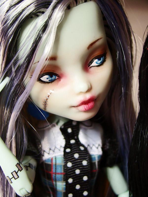 Nos demoiselles (Monster High custo) DSC03336