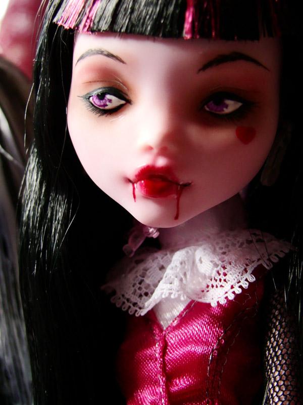 Nos demoiselles (Monster High custo) DSC03339