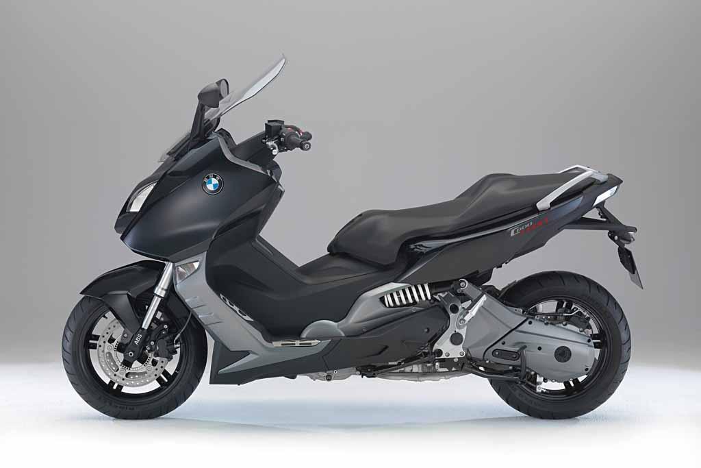1m88 et 120 kilos sur un BMW C600 et sur Un tmax 530 C600Sport-studio-05