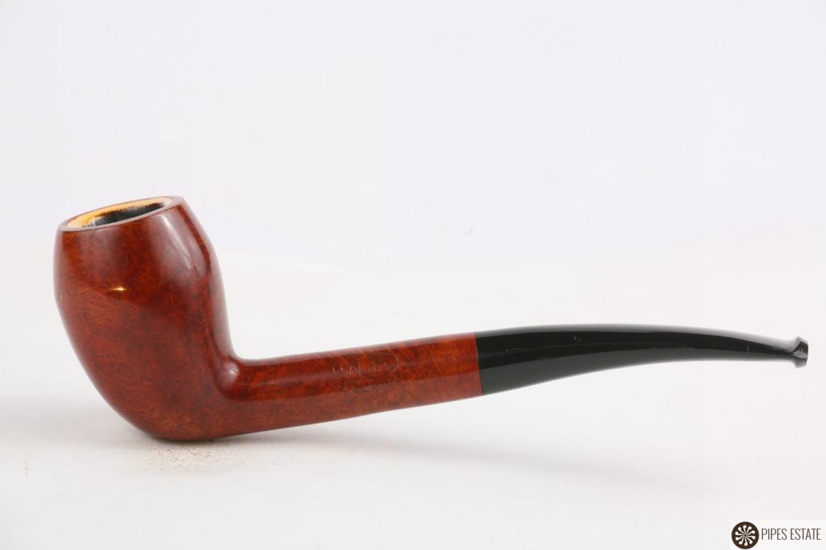 Les p'tites dernières de Watson... - Page 3 2133_3954_pipe-ab-saint-claude-tulip-briar-meerschaum