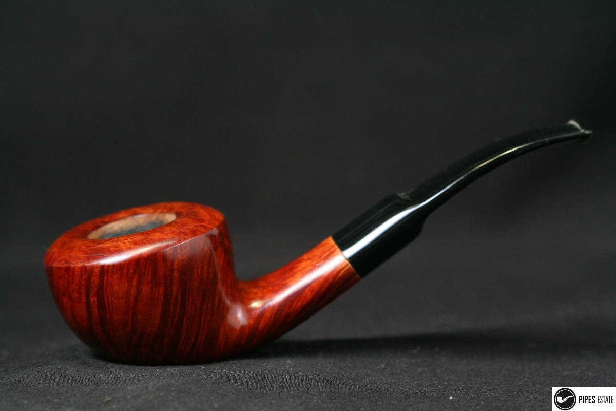 Les p'tites dernières de Watson... - Page 19 3709_4029_pipe-stanwell-feeehand-slyghty-bent-sixten-ivarsson-86