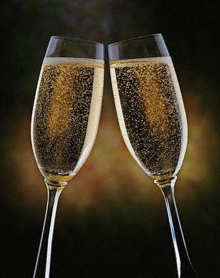 EL AMOR ESTA DONDE MENOS LO ESPERAS... Brindis-champagne-2-copas