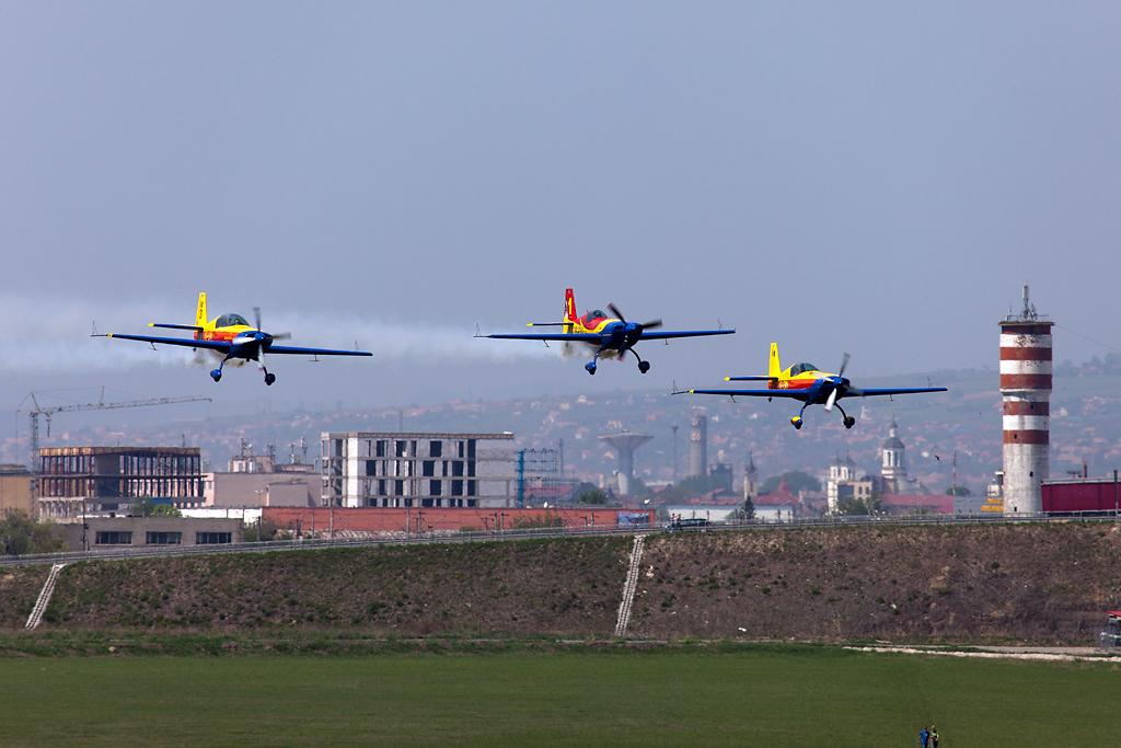 Cluj Napoca Airshow - 5 mai 2012 - Poze - Pagina 2 01