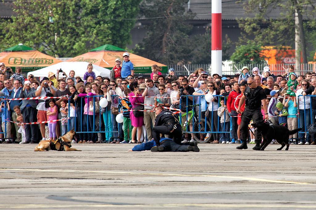 Cluj Napoca Airshow - 5 mai 2012 - Poze - Pagina 2 06