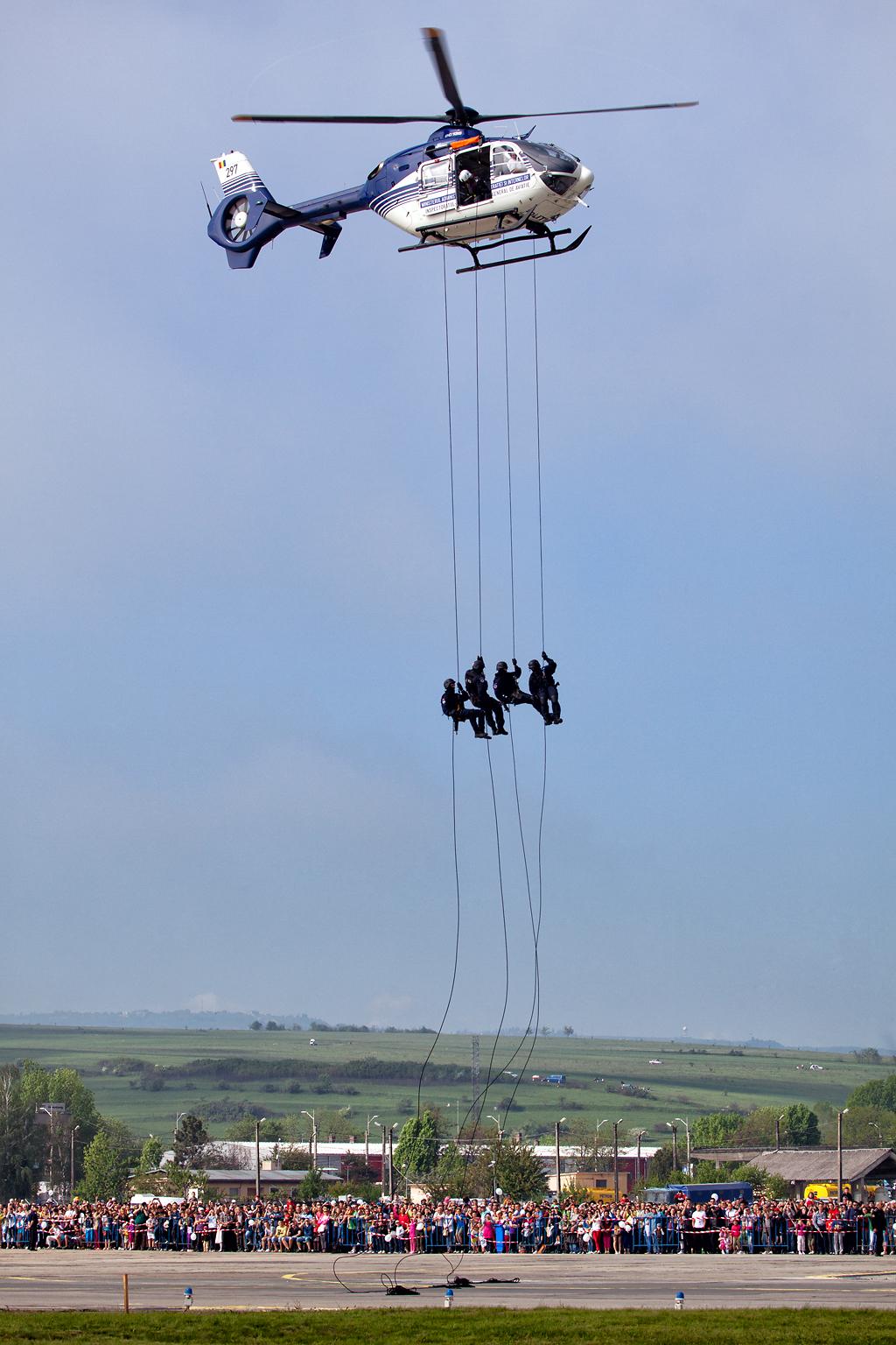 Cluj Napoca Airshow - 5 mai 2012 - Poze - Pagina 2 07