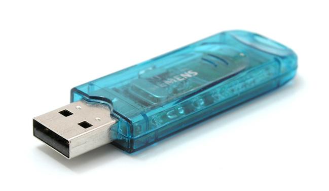 [Projet] Etagère destructurée pour CD USB-Stick