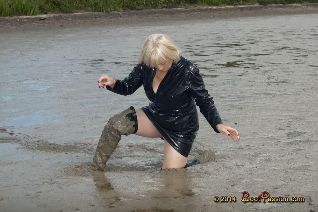 Cапожные женщины в грязи. Sp18_28