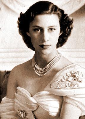 Margarita de Windsor - Página 3 QueenDM_468x652