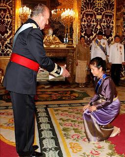 El arte de la reverencia - Página 2 20080331_credenciales_tailandia