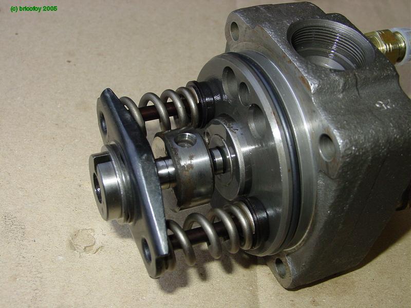 Fuite pompe à injection 6cyl D Dsc05367
