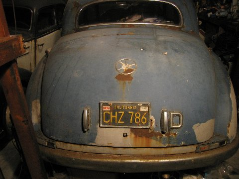 Bientôt une surprise ! 1952_Mercedes_Benz_300_Adenauer_Sedan_Barn_Find_Rear