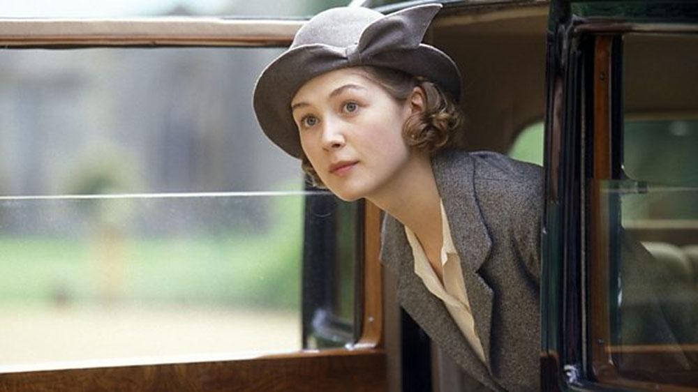 The Pursuit of love BBC, l'adaptation du roman de Nancy Mitford avec Lily James 355
