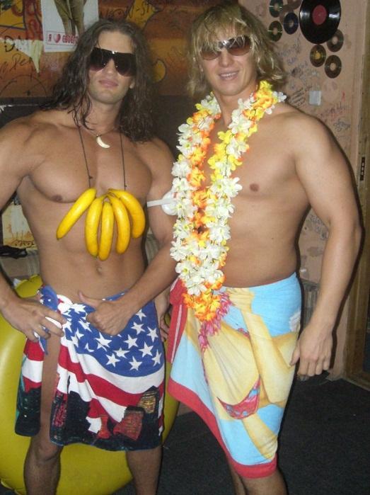 Гавайские праздники. Гавайская вечеринка. Гавайская магия. Гаваи ( кухня, танцы, мода ). - Страница 2 Idealnaya-gavayskaya-vecherinka-priglasitelnyiy-foto