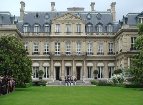 Des joyaux de l'architecture parisienne galvaudés Residence-of-us-ambassador-paris