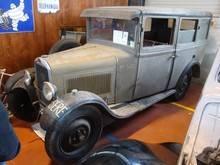 Exposition  Auto Rétro Ponot 05-Mai-2013 DSC01018_thumb
