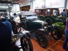 Exposition  Auto Rétro Ponot 05-Mai-2013 DSC01021_thumb