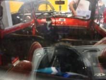 Exposition  Auto Rétro Ponot 05-Mai-2013 DSC01047_thumb
