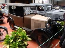 Exposition  Auto Rétro Ponot 05-Mai-2013 DSC01104_thumb