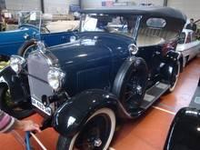 Exposition  Auto Rétro Ponot 05-Mai-2013 DSC01135_thumb