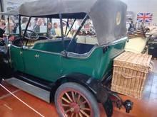 Exposition  Auto Rétro Ponot 05-Mai-2013 DSC01143_thumb