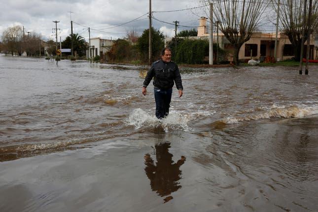 Fuertes inundaciones en Argentina ¿Falta de Inversion? (2015) Inundaciones-2076547w645