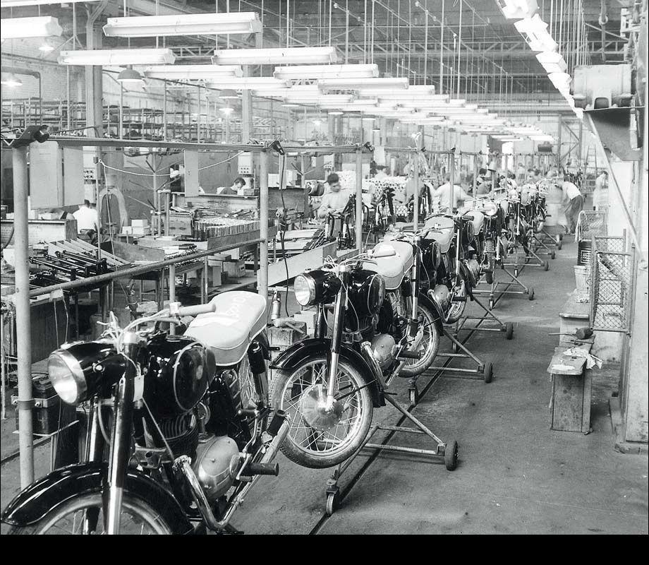 Quelles motos en Hongrie ? Motor_gy%C3%A1rt%C3%A1s5857