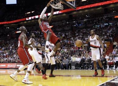 Košarkaške fotografije Trail-blazers-heat-basketball-390x285