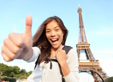 Jezik uvredljivih gestova Paris-guide-locals-how-to-be-friendly-to-tourists-390x285