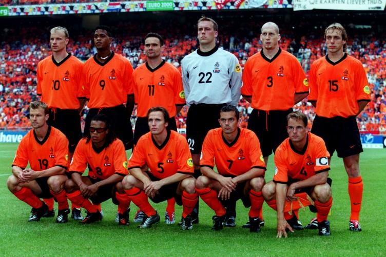 Hilo de la selección de Holanda Soccer-euro-2000-group-d-france-v-holland-752x501