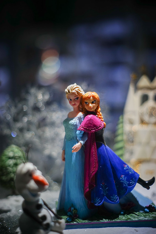 Disney a Moment in Time - Border Fine Arts (Depuis 2014) - Page 2 17282917042_c624528668_c