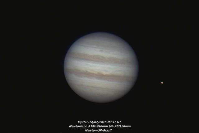 Júpiter e Io 24724976510_79515e8cef_z