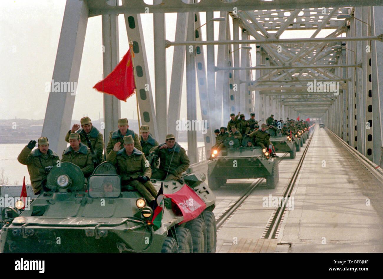 Soviet Afghanistan war - Page 6 Soviet-army-BPBJNF