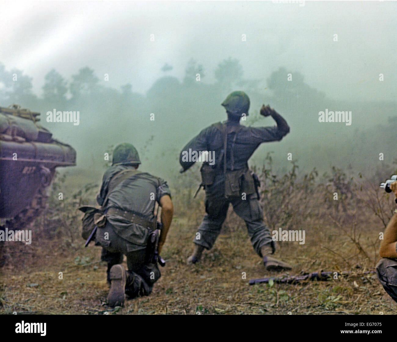 Vietnam War 1954-1975 Long-binh-vietnam-february-23-1969-members-of-the-first-squadron-11th-EG7075