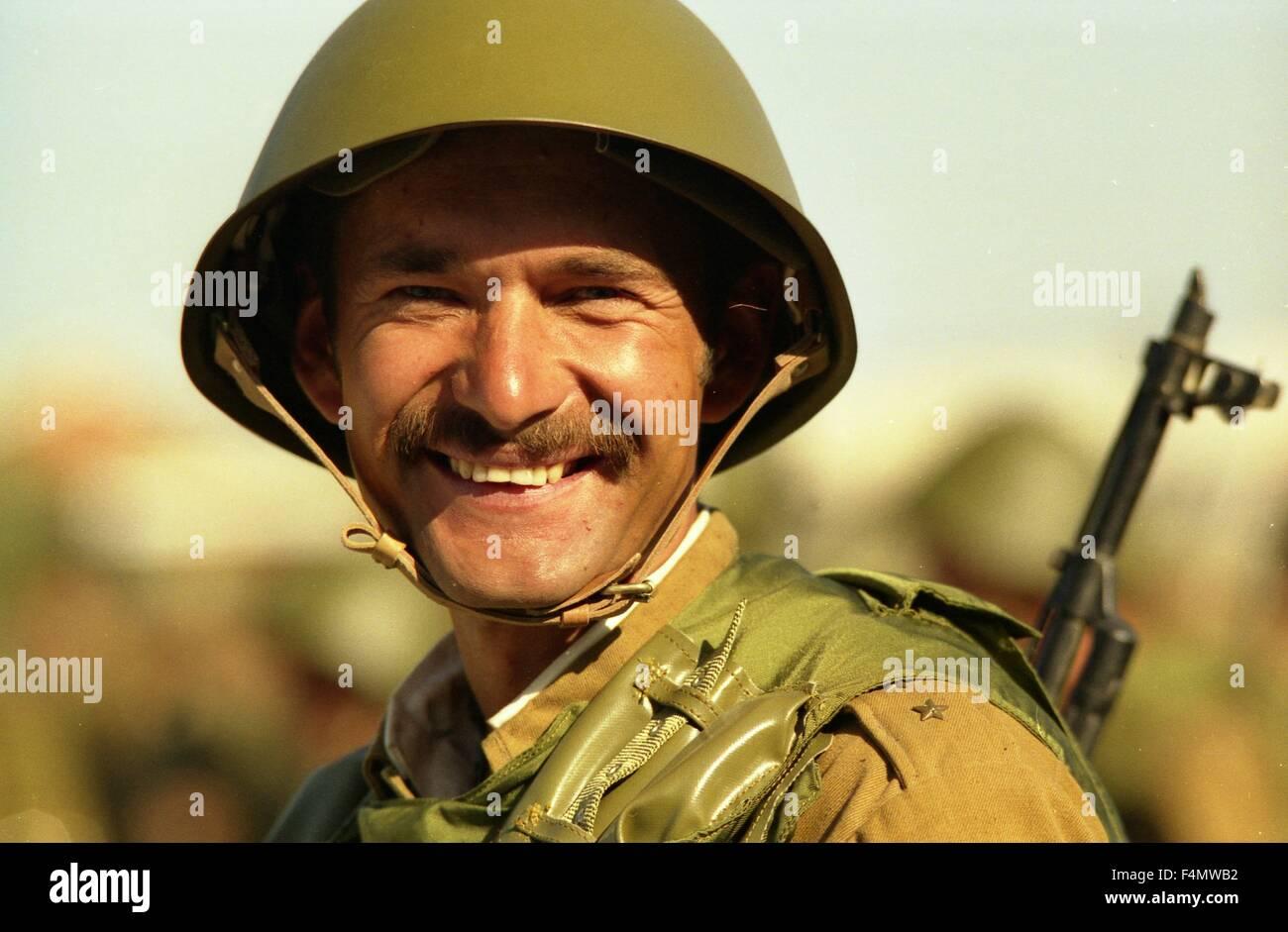 Soviet Afghanistan war - Page 6 Afghanistan-the-afghan-soldier-F4MWB2