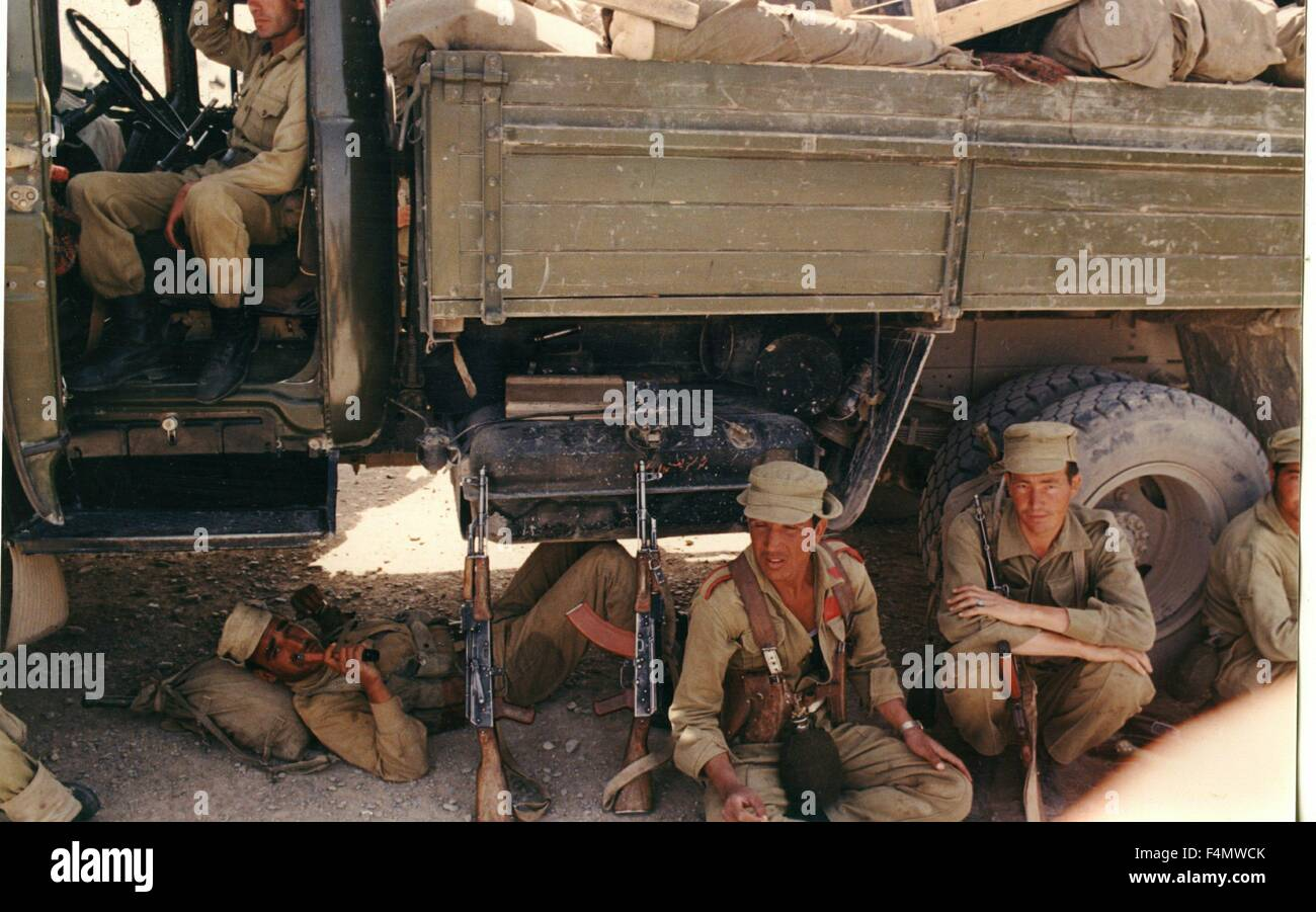 Soviet Afghanistan war - Page 6 Afghanistan-kandahar-1985-1986-F4MWCK