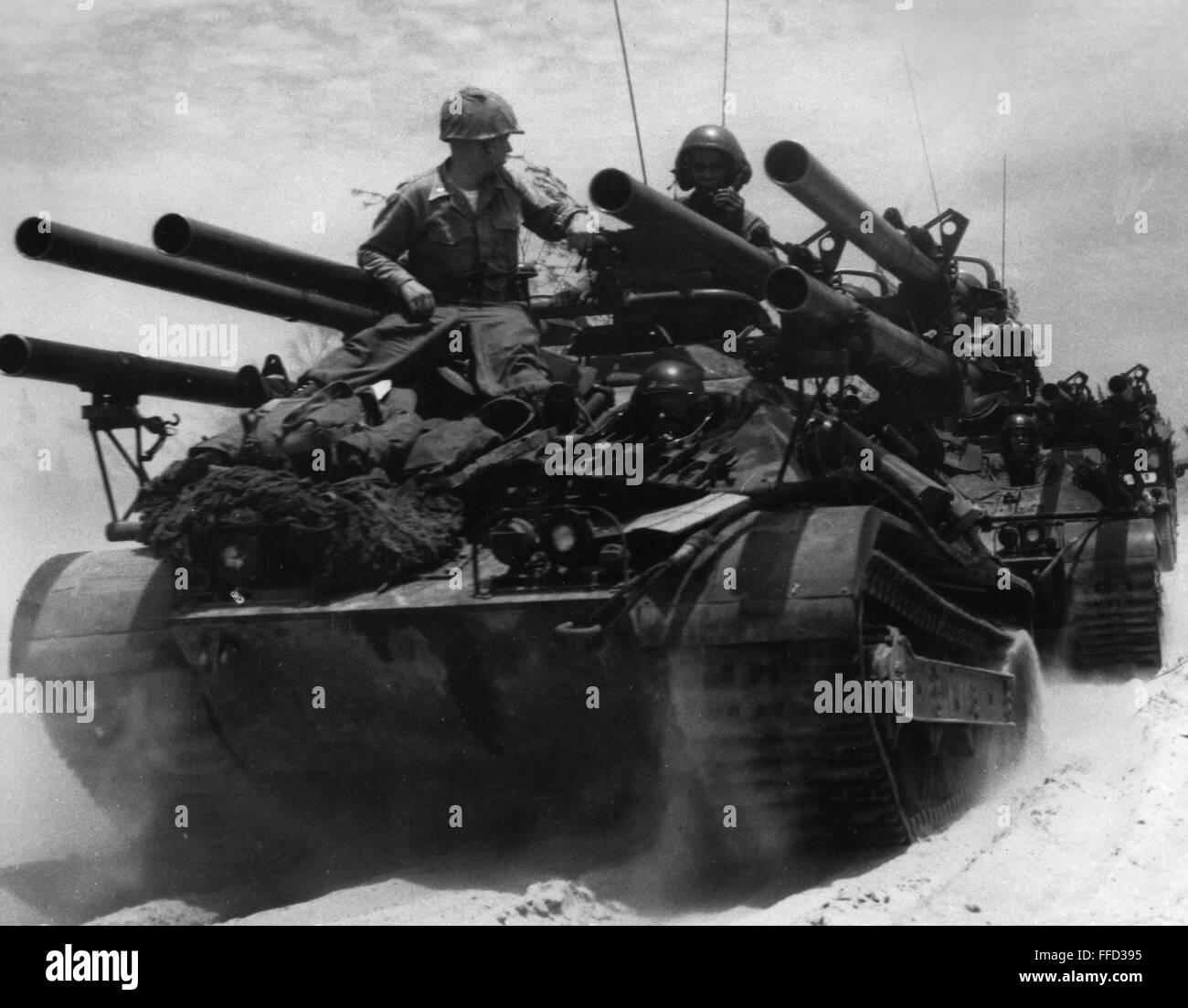 Vietnam War 1954-1975 Vietnam-war-beach-landingnthe-9th-marine-expeditionary-brigade-landing-FFD395