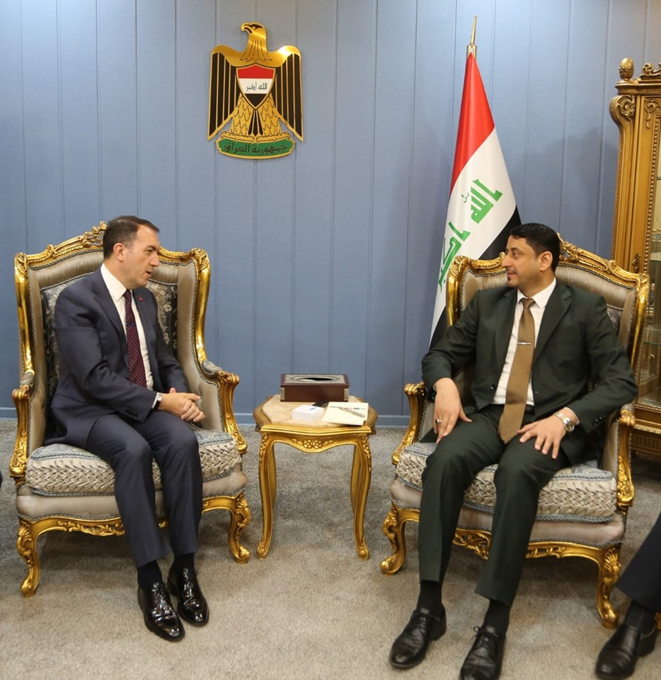 Secretary-General of the Council of Ministers stresses the importance of developing common relations between Iraq and Turkey 2019-5-9-4