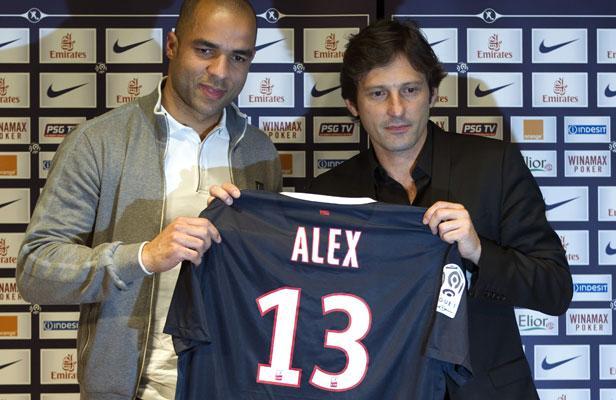 [Mercato officiel 2011/2012] en Images (pas de commentaires) - Page 3 Article_alex-ok