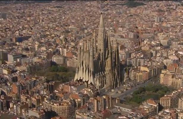 [Bientôt visible sur Google Earth] - La Sagrada Familia de Barcelone Article_sagrada