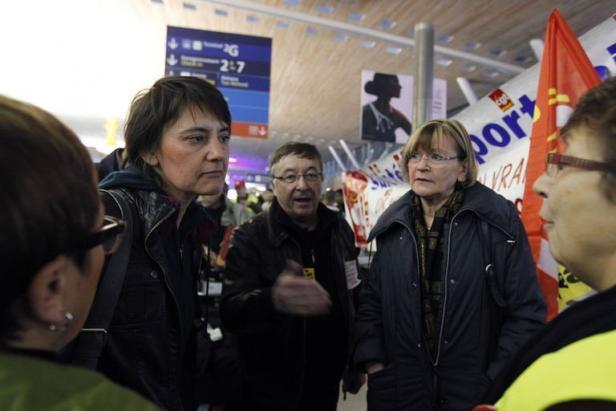 Grève des agents de sûreté aéroportuaire Article_photo_1324549030207-1-HD