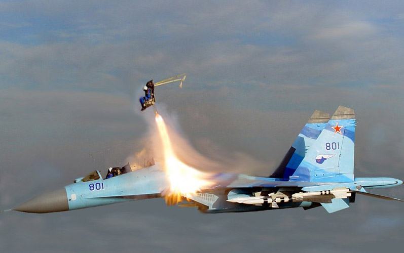 Aniversario de Mirage en Argentina - Página 3 00000122ad33bf521982c868004300c0002e001c.Sukhoi_ejection_in_flight