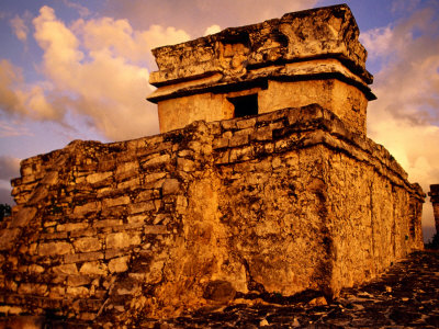 Drevna arhitektura Skrypczak-witold-temple-of-dios-descendente-tulum-quitana-roo-mexico