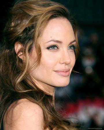 Новости знаменитостей. Angelina-jolie