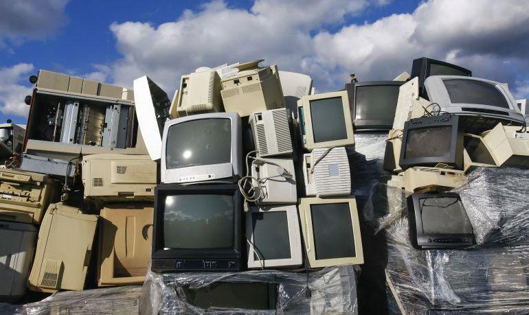 España a la cola de Europa en reciclaje de chatarra electrónica 1528537099_297603_1528537740_noticia_normal