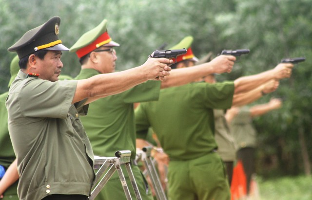 Little stories of US, Soviet (and other foreign) weapons in Vietnam Bsung
