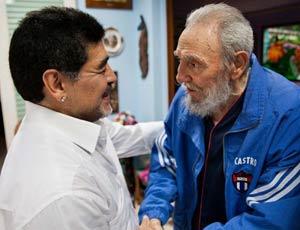 Anche Fidel segue i mondiali ,invia una lettera a  Maradona commentatore-Tv, elogiando Messi CastroMaradona
