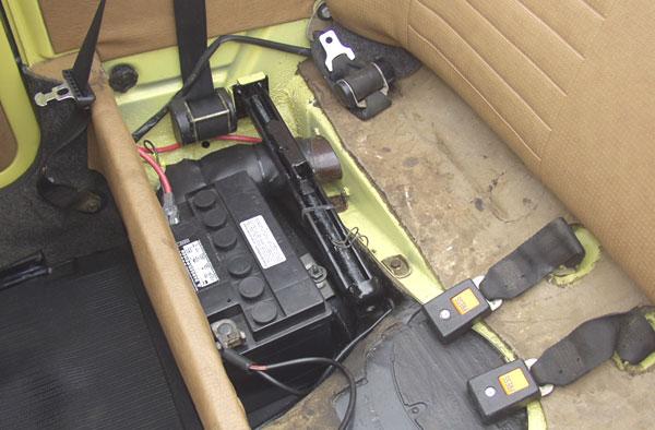 cinturones traseros C142-underrearseat-remote
